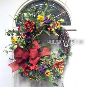 Handmade Wreaths, Centerpieces and Decor