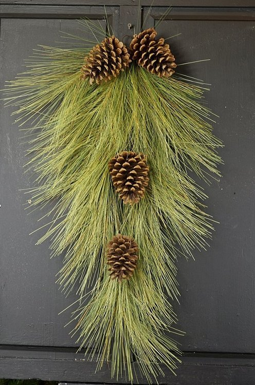 Long Needle Pine Teardrop Swag - 30""