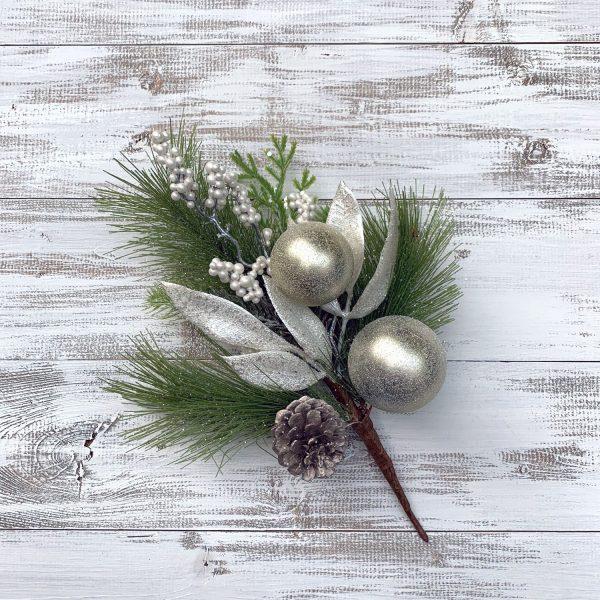 Cream & Champagne Ornament Pick